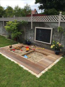 grote zandbak in eigen tuin maken